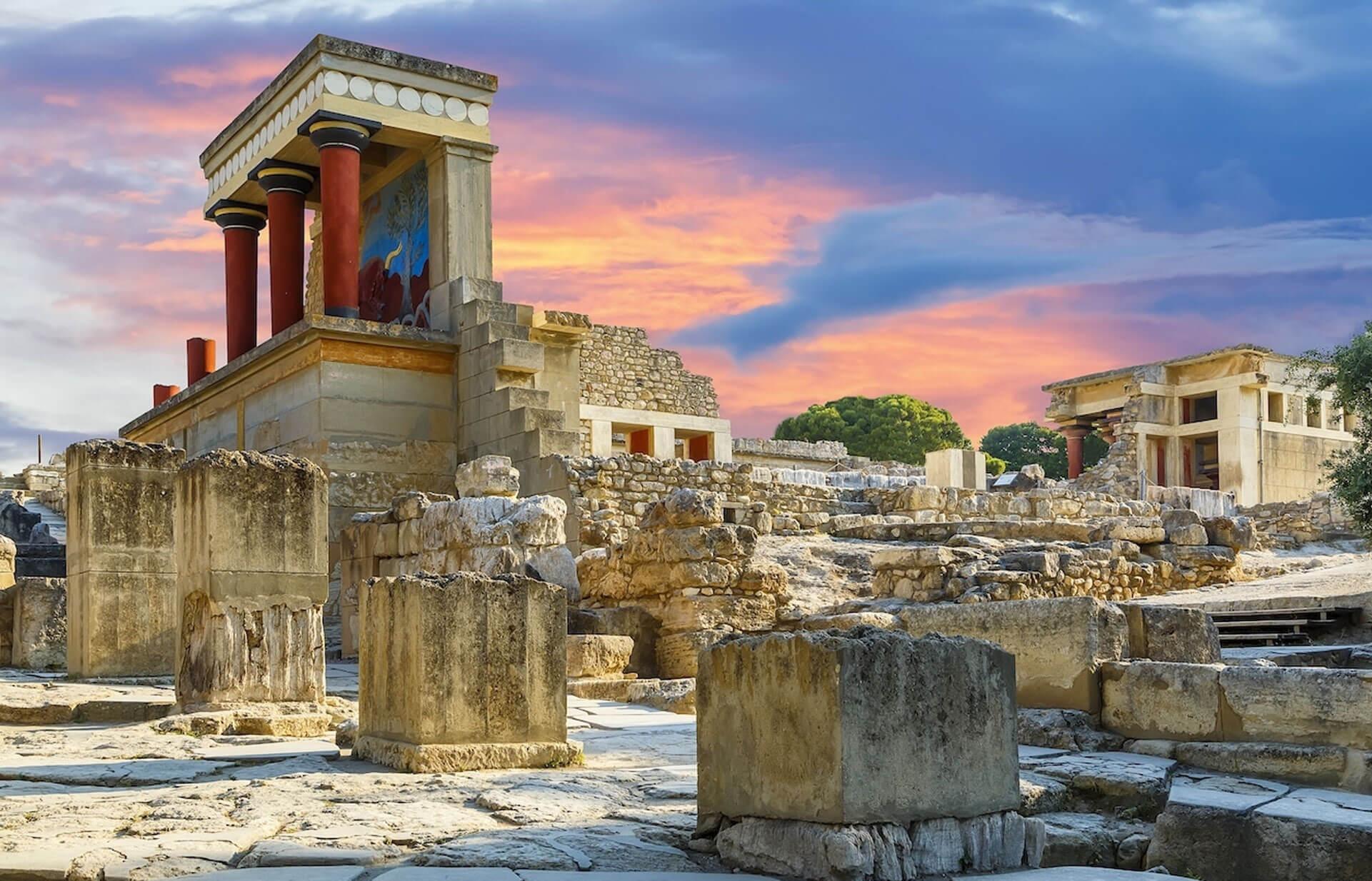 Knossos Palace & Heraklion Town & Museum tour